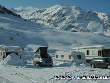 Wintercamping in Bivio unterhalb des Julier-Passes